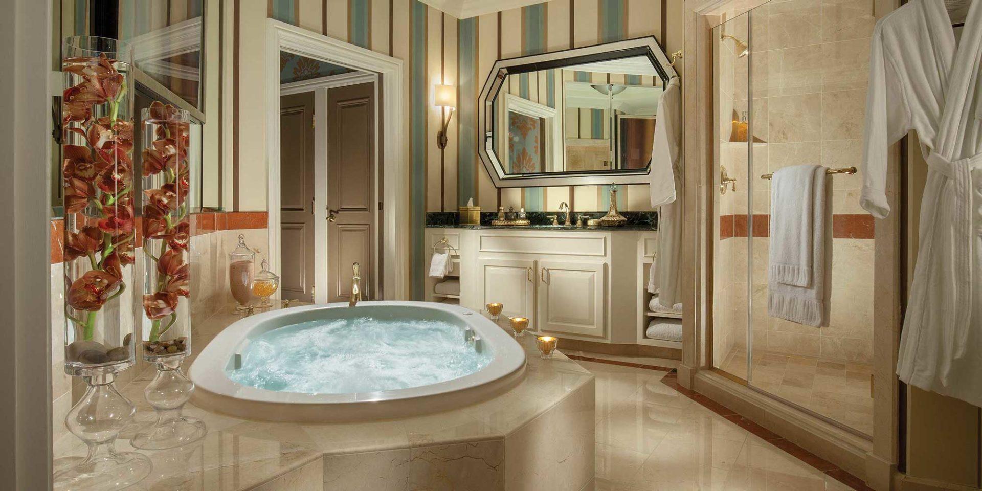 Venetian Shower Suite Las Vegas